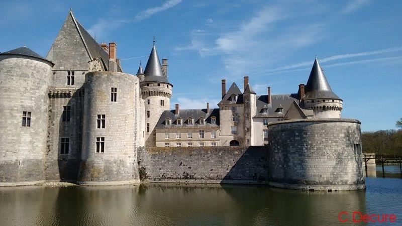 chateau et douves